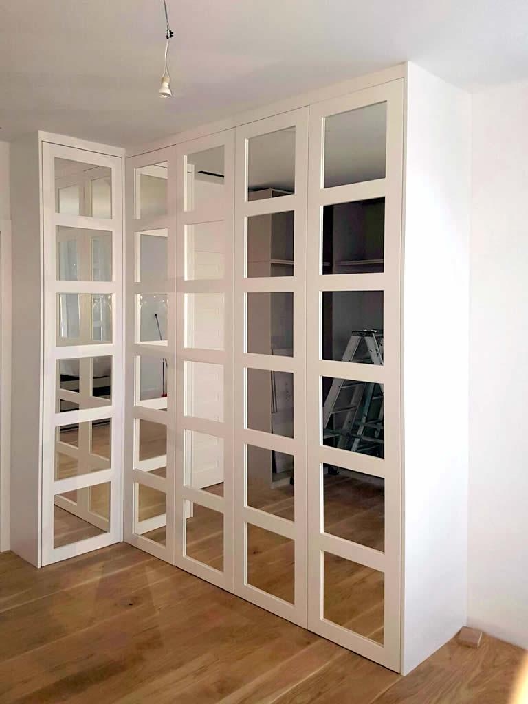 Armario blanco con espejo carindeco for Armario puerta espejo