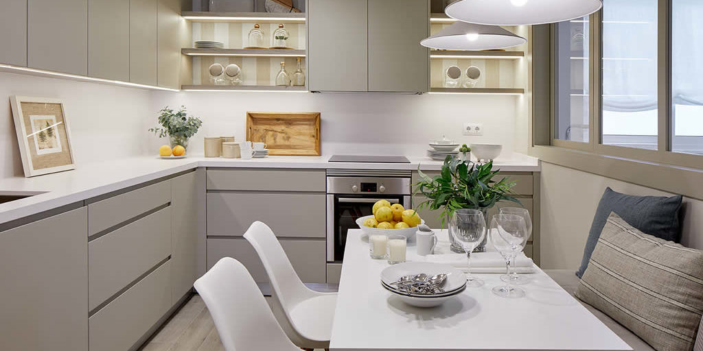 Mejora la distribuci n de tu cocina con los consejos del for Distribucion armarios cocina